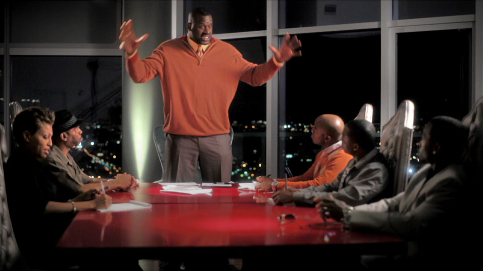 Shaq holds court to his crew, played by (from left to right) Indira Gibson, Larry Flash Jenkins, Asante Jones, Mykel Shannon Jenkins and Lawrence Adimora.